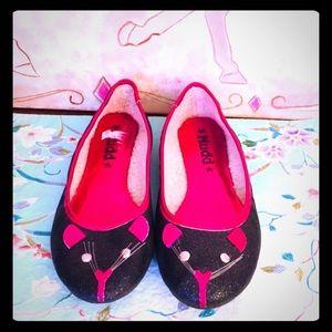 🦄$5 bundle item Kitty ballet flats